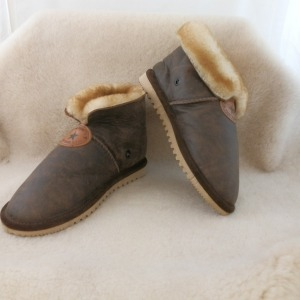 Brown Tracker Sheepskin Slippers